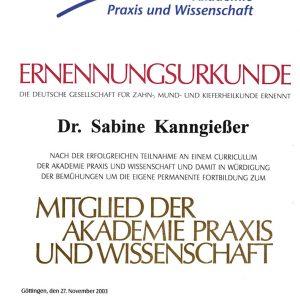 Ernennungsurkunde Mitglied der Akademie Praxis und Wissenschaft