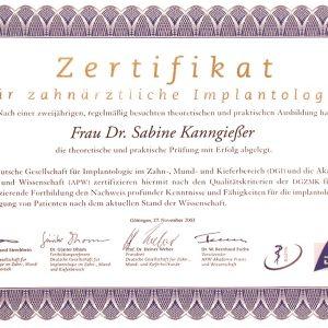 Zertifikat für zahnärztliche Implantologie